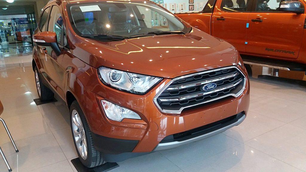 Tại sao Ford Ecosport chỉ có một bên đèn lùi? 1
