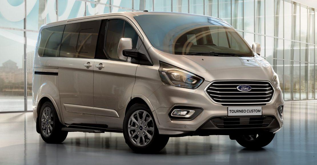 So sánh Ford Tourneo với các mẫu minivan trong phân khúc MPV 1