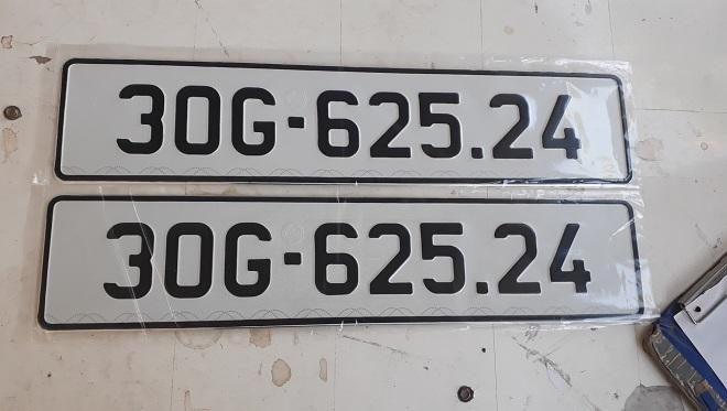 Nhận đổi biển số mẫu cũ sang mẫu mới & biển số form mới về form cũ 2