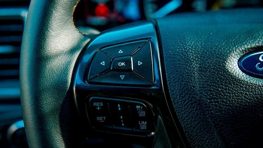 Tại sao Ford Ranger luôn bán chạy nhất phân khúc bán tải? 9