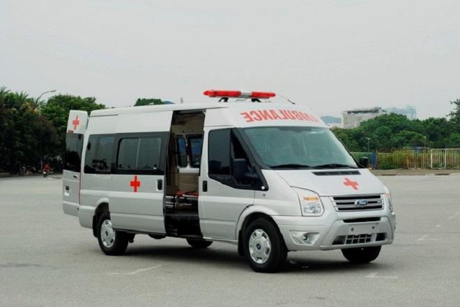 Ford Transit cứu thương nhập khẩu, lắp ráp: Giá xe & trang thiết bị y tế 14