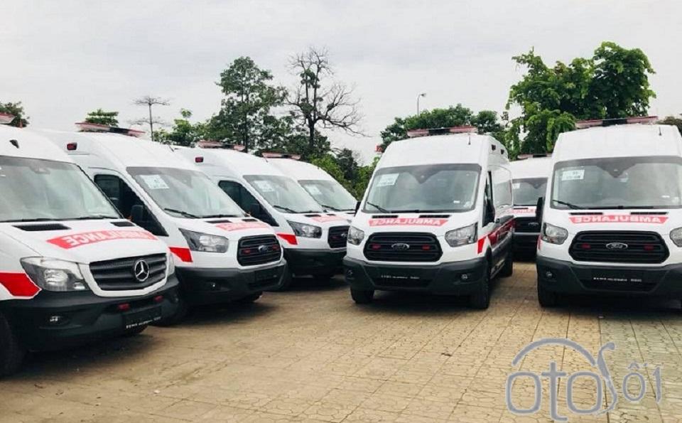 Ford Transit cứu thương nhập khẩu, lắp ráp: Giá xe & trang thiết bị y tế