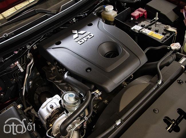 Mitsubishi Triton 4