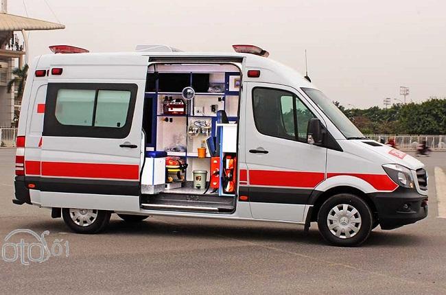 Xe cứu thương Mercedes Sprinter Ambulance nhập khẩu 2