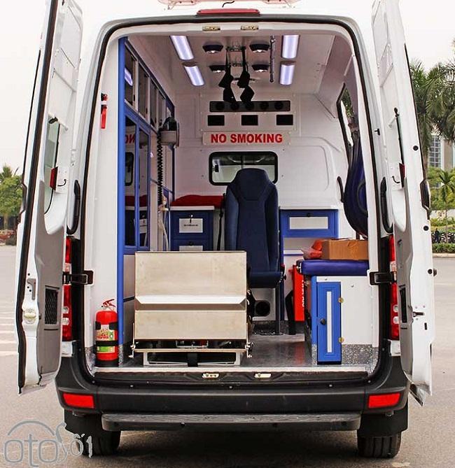 Xe cứu thương Mercedes Sprinter Ambulance nhập khẩu 3