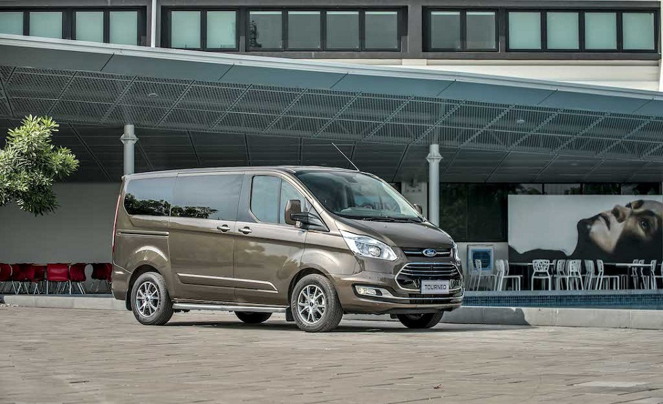 Ford Tourneo 9