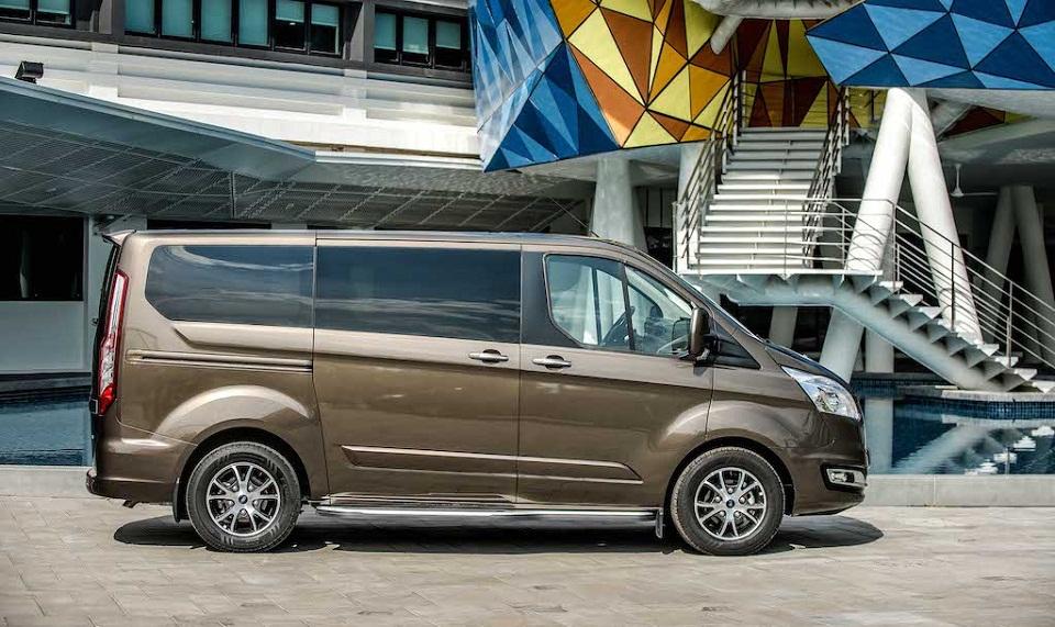 Ford Tourneo 11