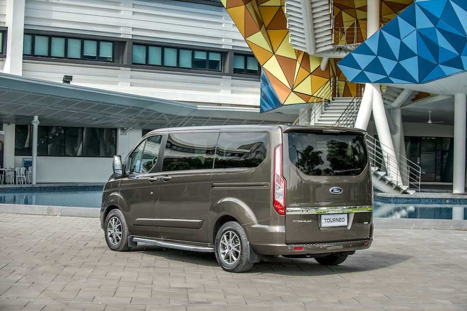 Ford Tourneo 15