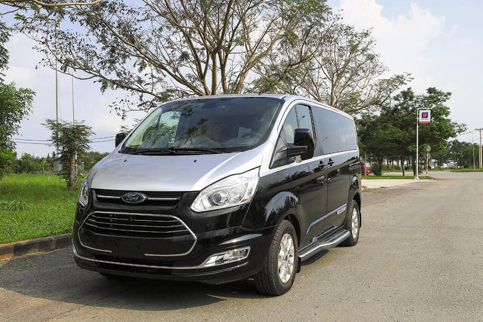 Ford Tourneo Limousine bản độ hạng sang trong phân khúc MPV 2