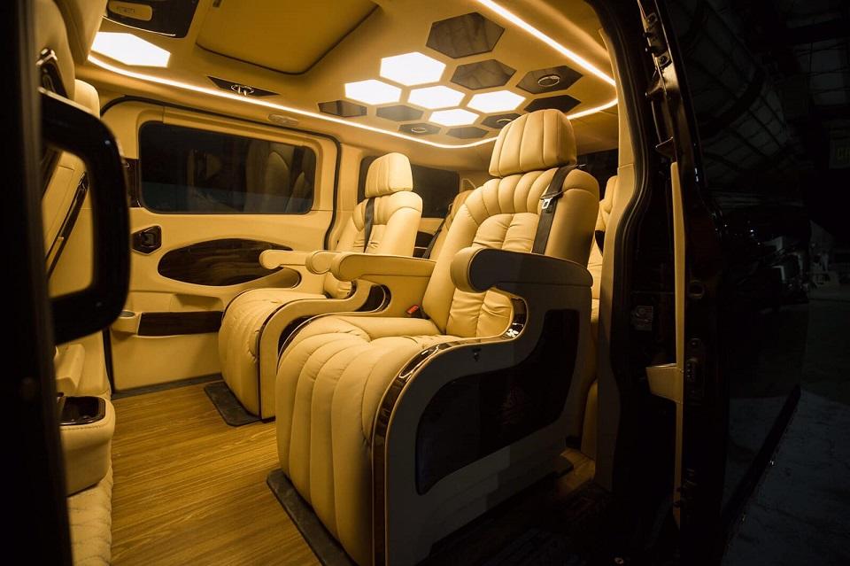 Ford Tourneo Limousine bản độ hạng sang trong phân khúc MPV 10