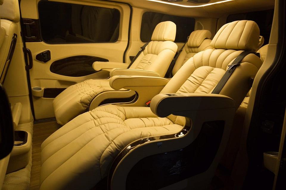Ford Tourneo Limousine bản độ hạng sang trong phân khúc MPV 9