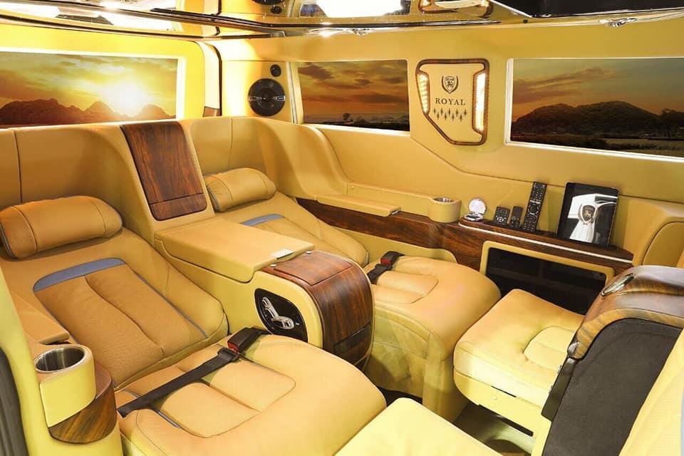 Ford Tourneo Limousine bản độ hạng sang trong phân khúc MPV 14