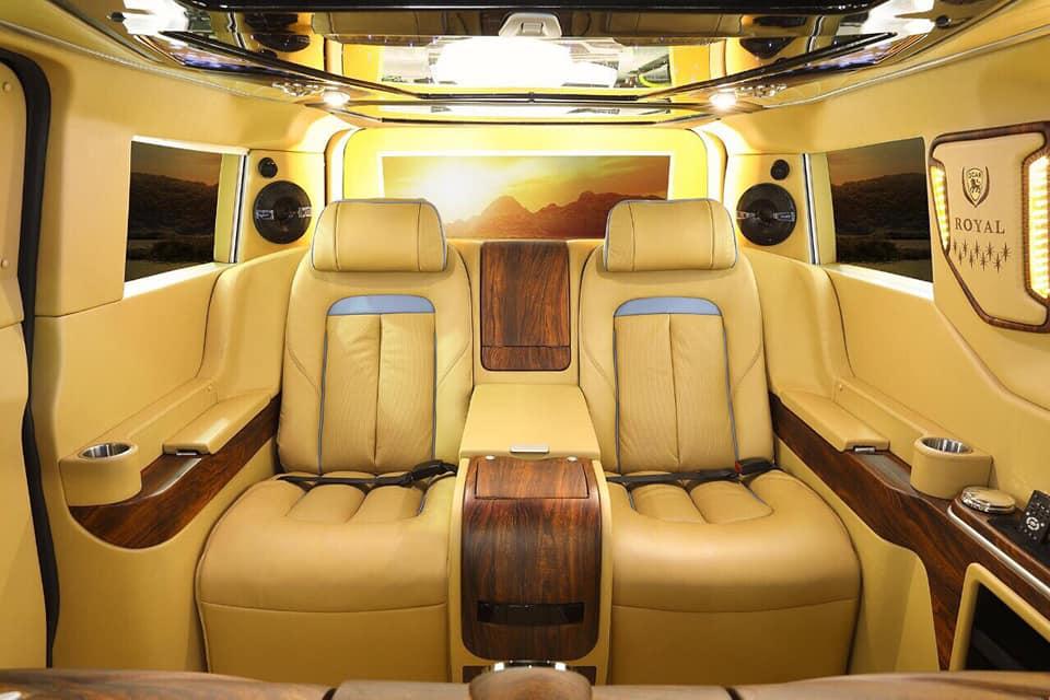 Ford Tourneo Limousine bản độ hạng sang trong phân khúc MPV 15