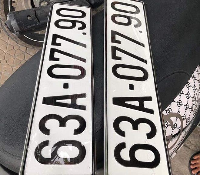 Ép biển số ô tô khung biển số bản đồ Việt Nam có bị phạt không? 1