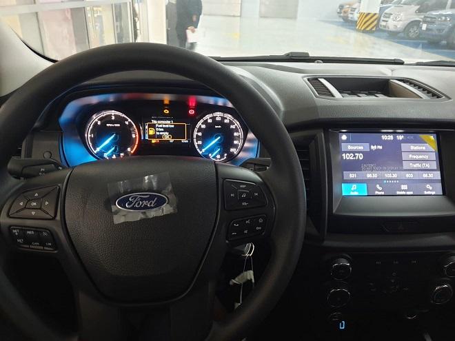 Ford Ranger XLS một cầu số tự động, số sàn- Chi tiết giá bán, giá lăn bánh 8