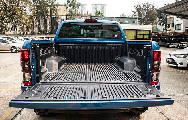 Ford Ranger Raptor đánh giá chi tiết kèm bảng giá lăn bánh 10