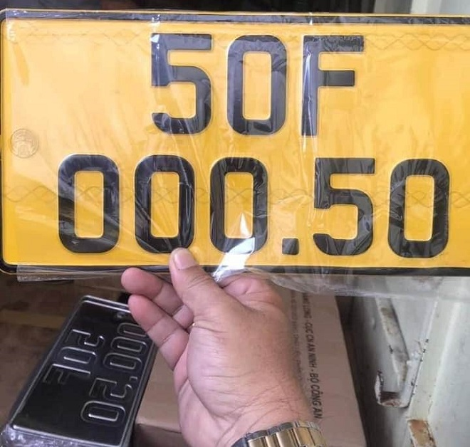 Biển số màu vàng cho ô tô kinh doanh vận tải: chi phí, thủ tục và dịch vụ đổi