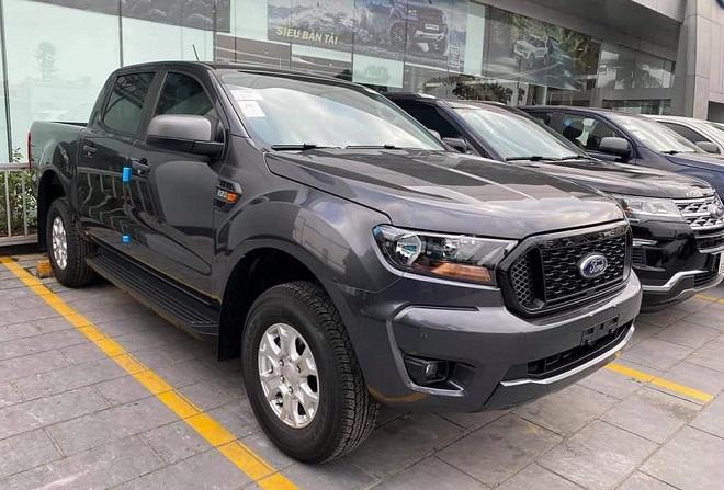 Ford Ranger XLS một cầu số tự động, số sàn- Chi tiết giá bán, giá lăn bánh 2