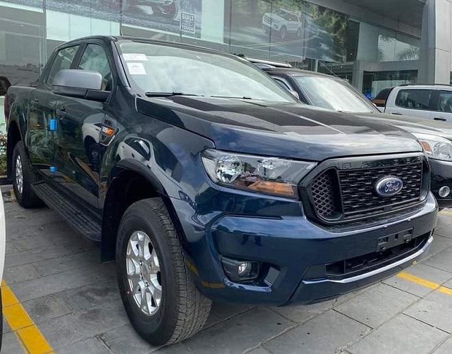 Ford Ranger XLS một cầu số tự động, số sàn- Chi tiết giá bán, giá lăn bánh