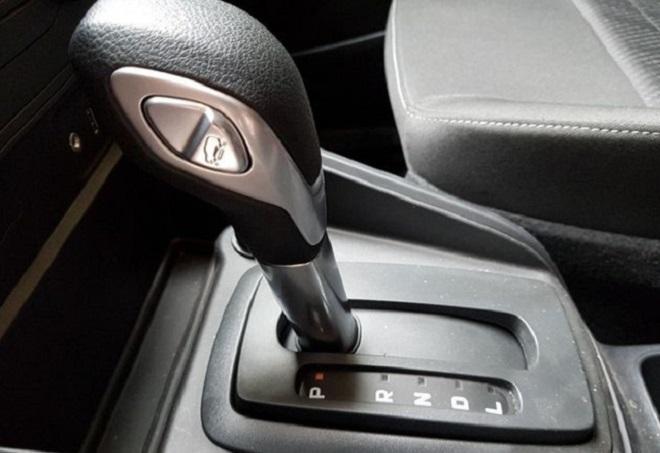 Hướng dẫn sử dụng các nút trên hộp số Ford Ecosport 4