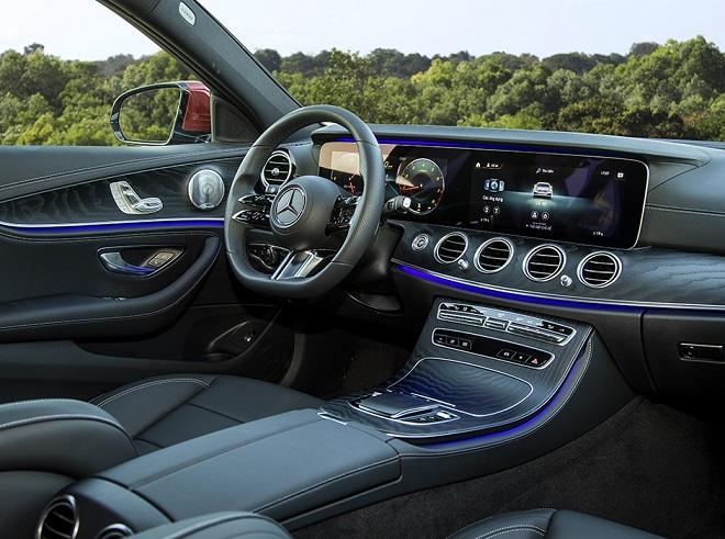Mercedes-Benz E-Class 2