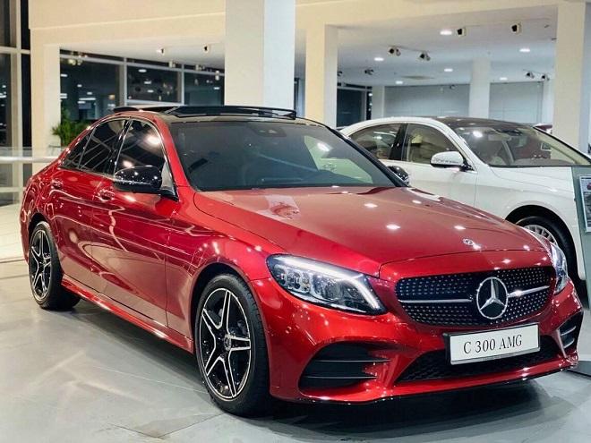 Mercedes-Benz C-Class 1