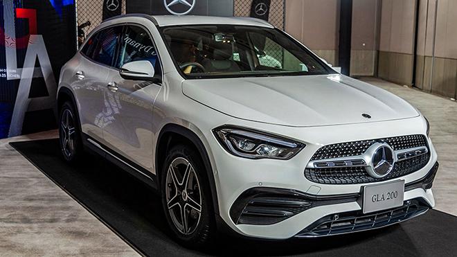 Mercedes-Benz GLA Class 2