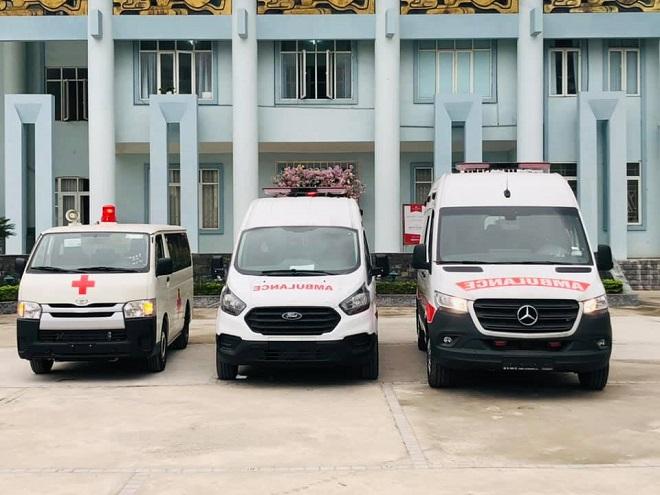 Phận biệt xe cứu thương Ambulance và xe cấp cứu Emergenncy Ambulance 3