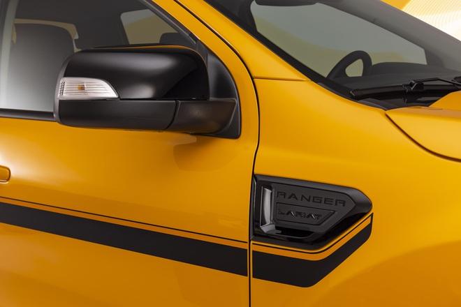 Ford Ranger màu cam rực rỡ 6