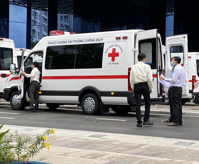 Iveco Daily cứu thương: giá xe cùng trang thiết bị y tế 9