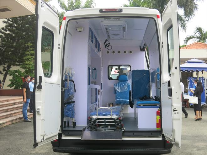 Iveco Daily cứu thương